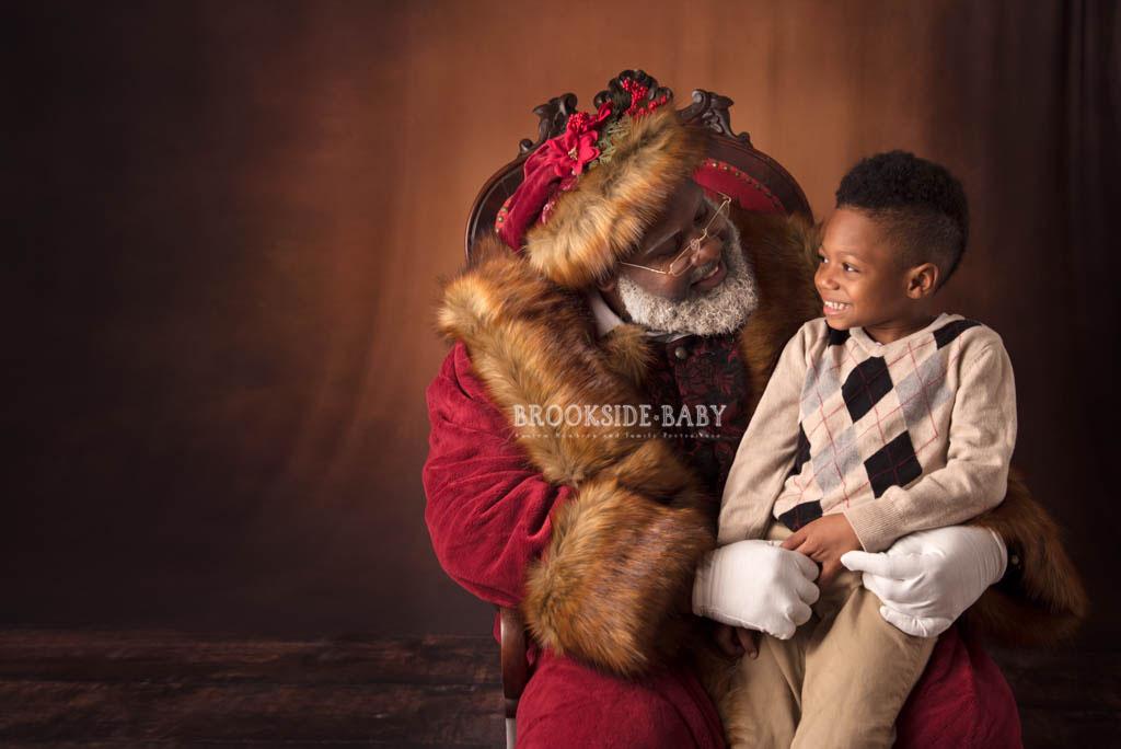 Johnson Family Santa 2018 Web 1