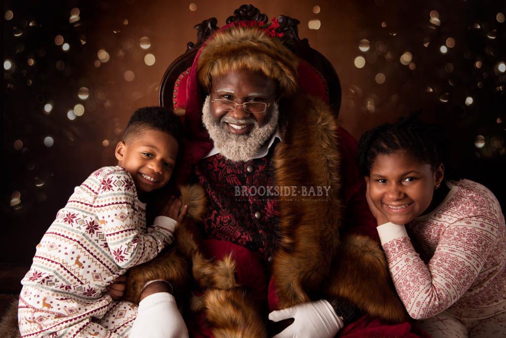 Johnson Family Santa 2018 Web 13