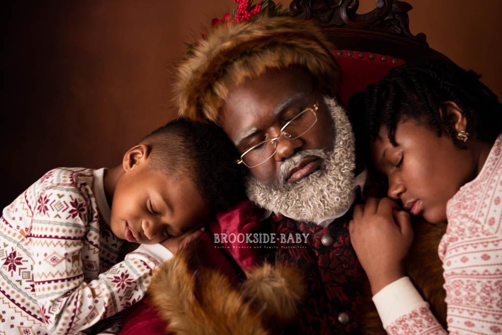 Johnson Family Santa 2018 Web 14