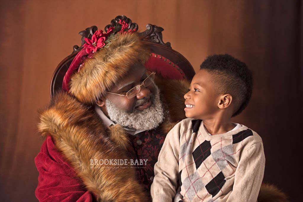 Johnson Family Santa 2018 Web 2